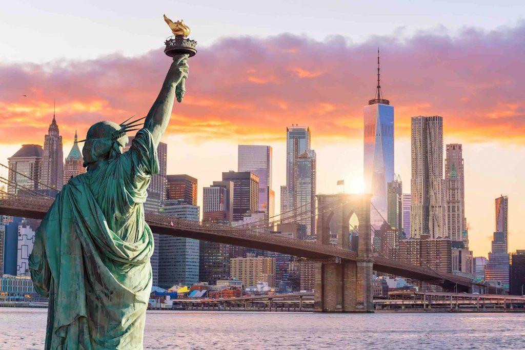 New York Travel Guide, new york city, big apple, statue of liberty, skyline, bridge, river, Ellis Island