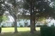 5460 Holly Point Ln.