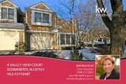 4 Valley View Ct.